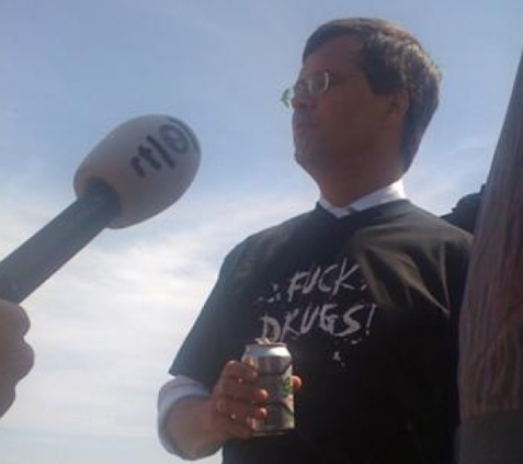 Balkenende promoot alcohol in het RTL journaal